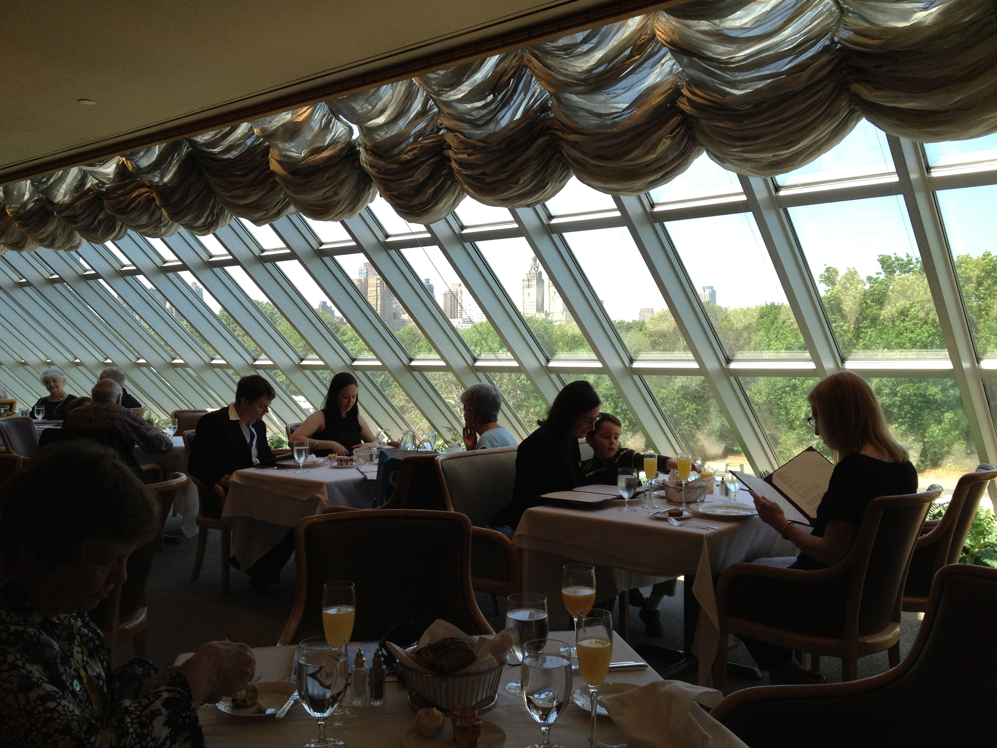 Ellen lindner art creativity blog archive a visit for Dining room at the met