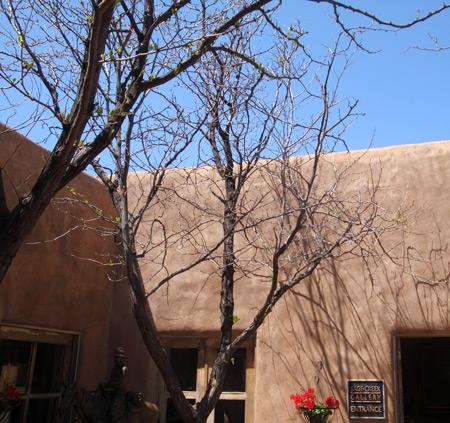 Santa Fe.  Ellen Lindner, AdventureQuilter.com